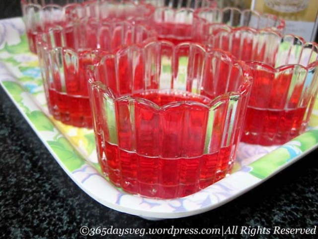 Raspberry Jello Set